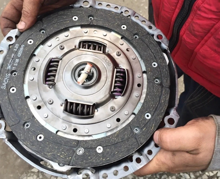 Как понять, что сцепление вашего авто нуждается в ремонте